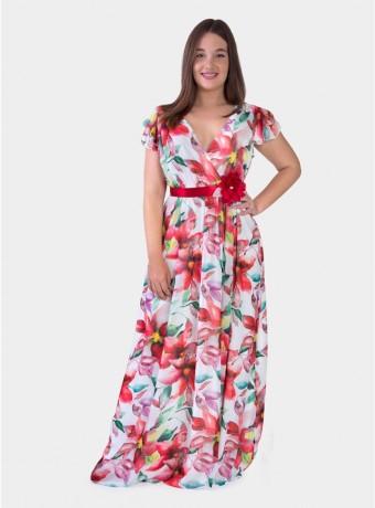 Vestido maxi con flores sobre fondo blanco