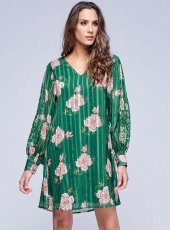 Vestido escote pico de satén en verde