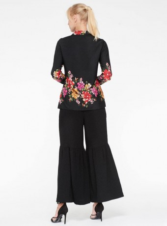 Long sleeve blouse Niza with floral print on black background