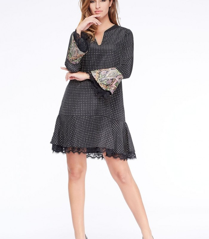 Dress Niza with check pattern and ruffled sleeves
