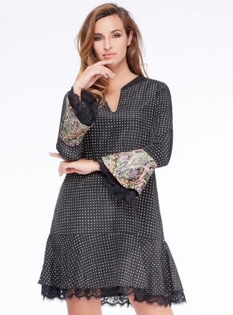 Dress Niza with check pattern and ruffled sleeves