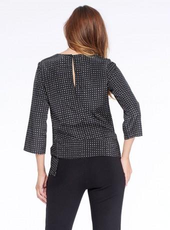 Blusa Niza con estampado de cuadros y escote redondo
