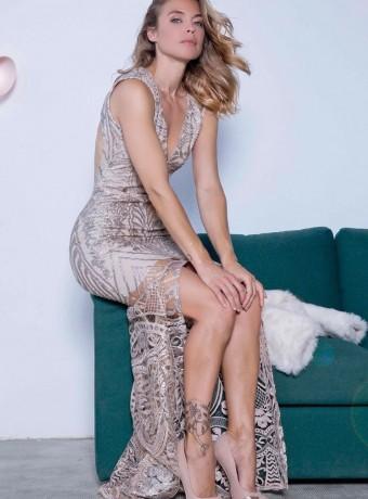 vestido largo lentejuelas nude abertura delantera