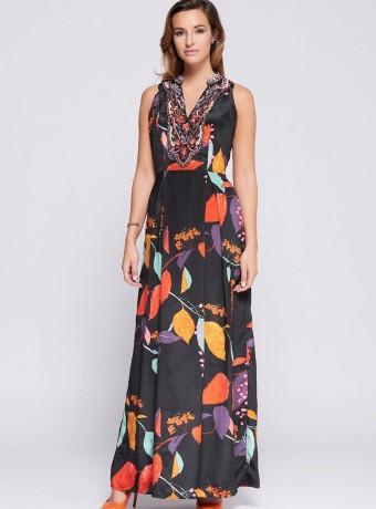 Vestido largo con cuello bordado y estampado de hojas