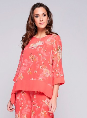 Blusa Niza estampado floral asimétrica