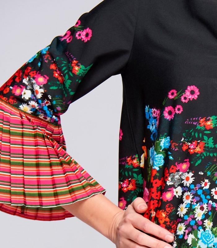 Blusa niza estampada con mangas plisadas