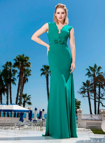 Maxi dress with deep neckline in green