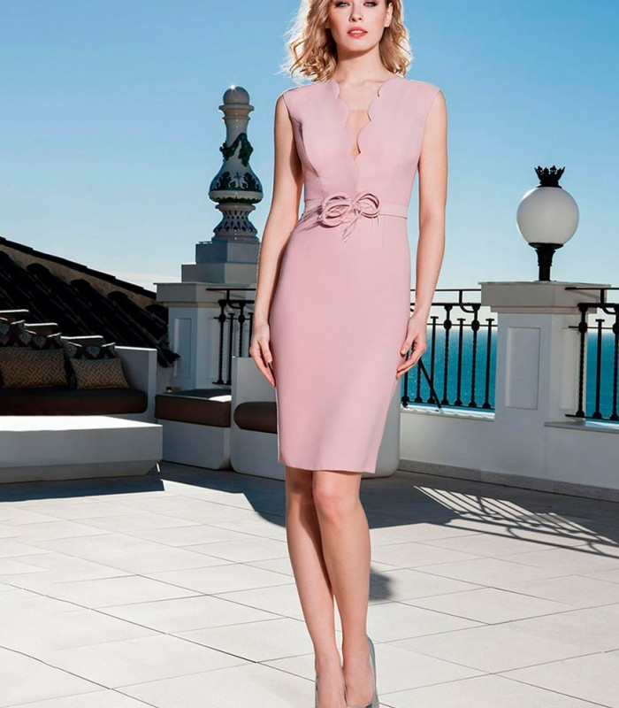 Deep neckline midi dress in pink