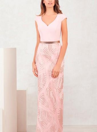 Vestido rosa largo con lentejuelas en la falda