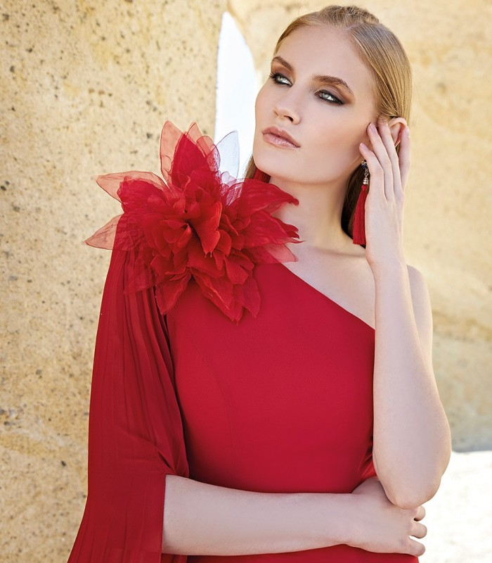 Vestido Rojo largo y  hombro descubierto