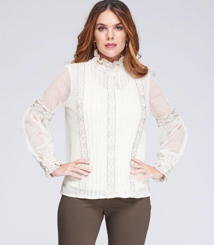 Blusa estilo romántico de tul y encaje