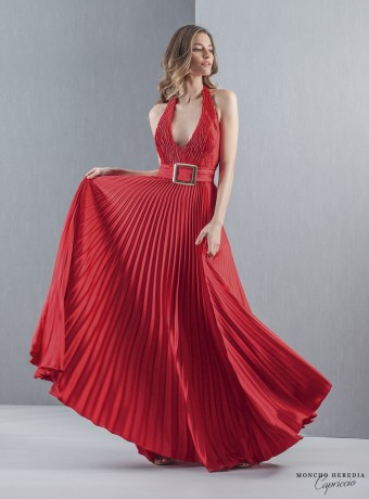 Vestido largo rojo plisado