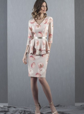 Vestido corto estampado peplum y manga francesa