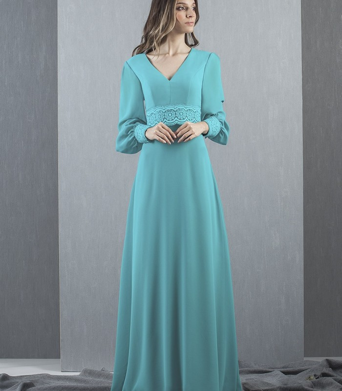 Long turquoise dress with lace on the cuffs