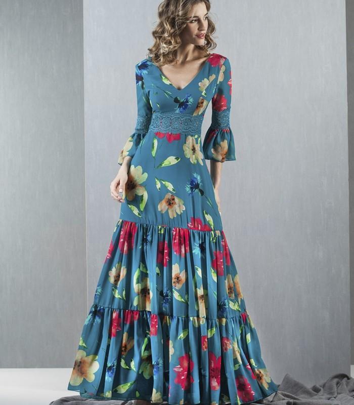 Vestido largo estampado con volantes en la falda