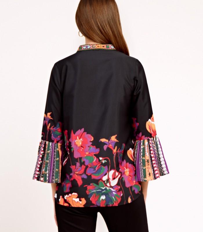Blusa estilo túnica con originales mangas