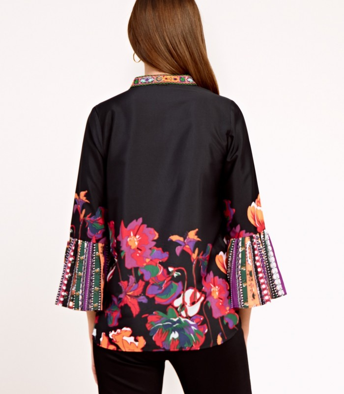 Tunic style blouse with original sleeves
