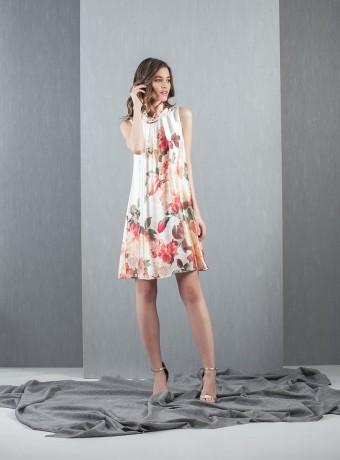 Vestido corto marfil estampado de flores