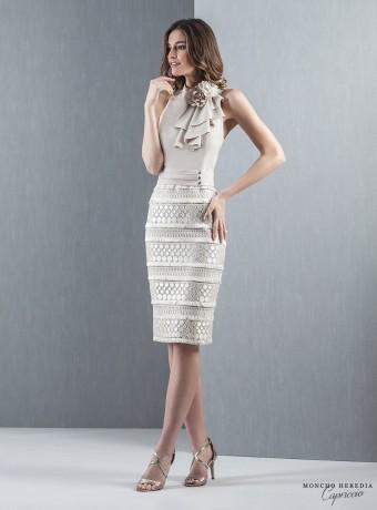 vestido corto arena cuello halter
