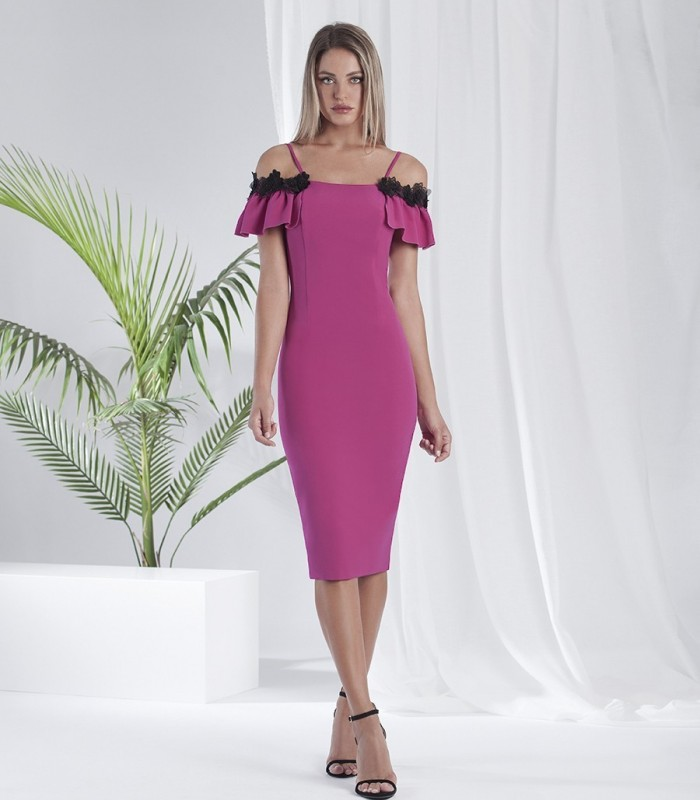 Plain fitted dress with strapless neckline with embellished short ruffle sleeves