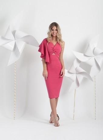Raspberry short dress with ruffle on one sleeve