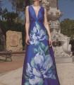 Vestido largo azul escote profundo