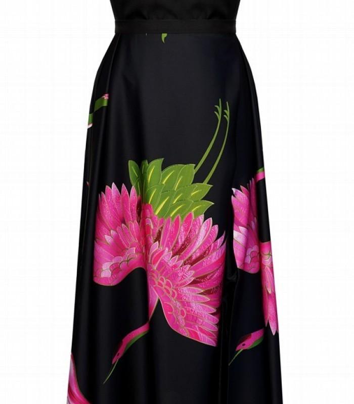 Vestido largo confeccionado en crepé estampado