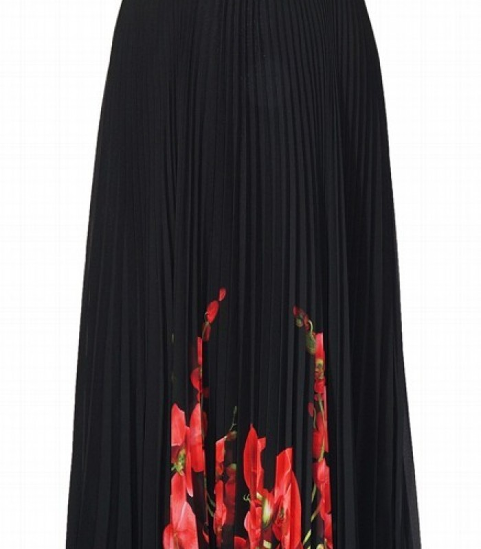 Long pleated printed chiffon dress.