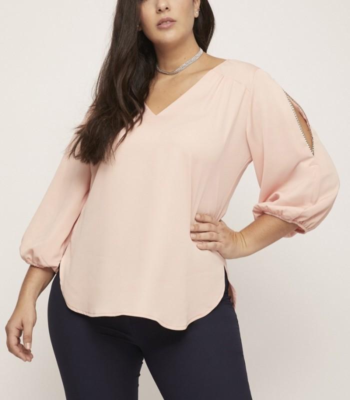 Blusa rosa con escote pico con canesú