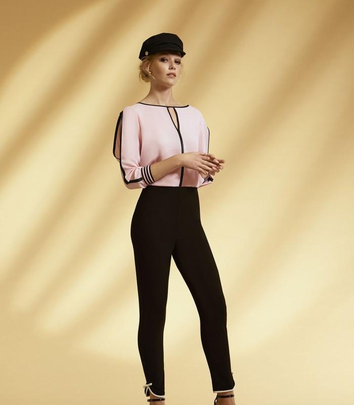 Blusa rosa con manga francesa semiabierta
