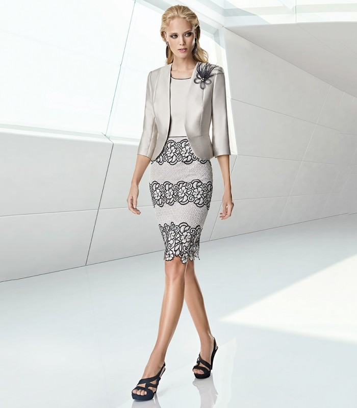 Dress and jacket with straight cut and round neckline