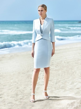 Conjunto chaqueta y vestido celeste recto Sonia Peña