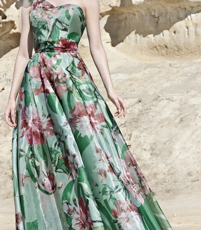 Long printed dress with sweetheart neckline Sonia Peña