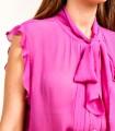 Blusa con cuello de lazo sin mangas