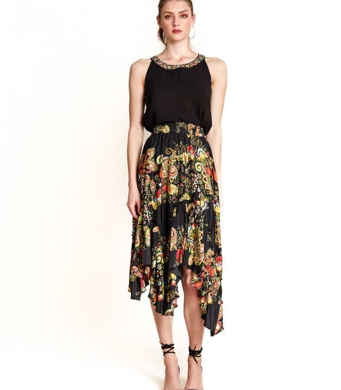 Skirt fitted at the waist with ruffle