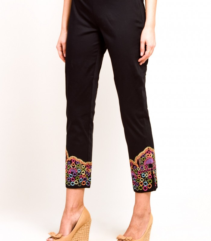 Straight trousers with embroidered details