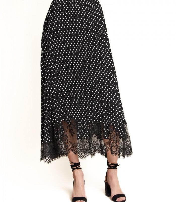 Falda de lunares con detalles de encaje