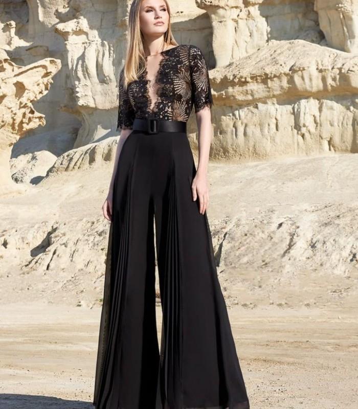 Conjunto corpiño, top,pantalón y cinturón negro