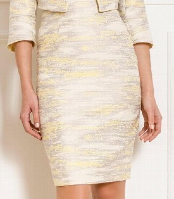 Conjunto amarillo vestido corto recto y torera