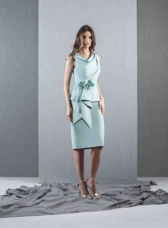 Ruffle dress with flower detail