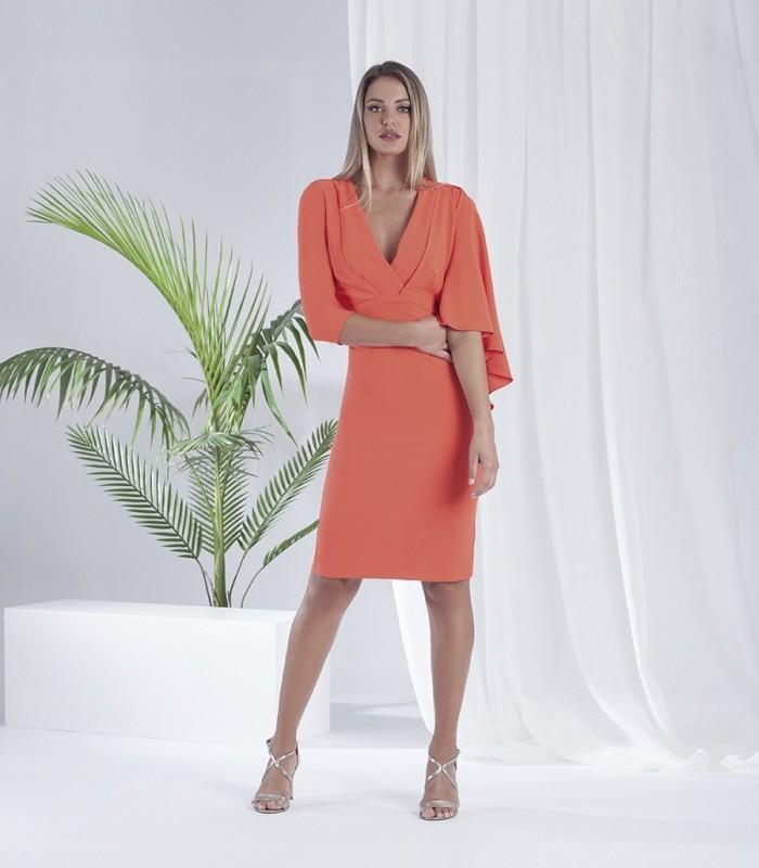 Flowy fabric sleeves dress