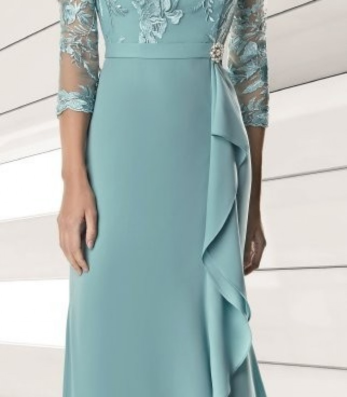 Long dress with belt and brooch