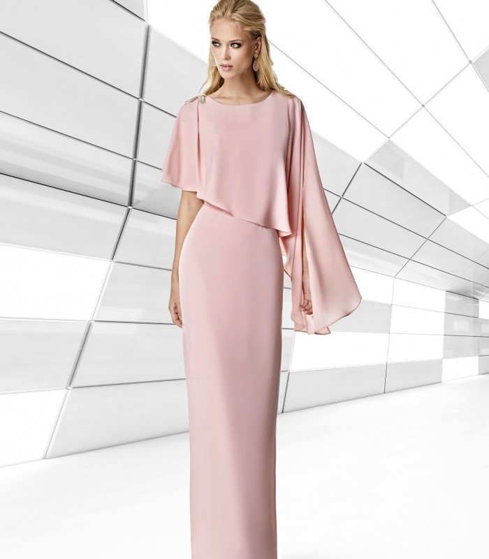 Long straight dress with asymmetric ruffle and brooch