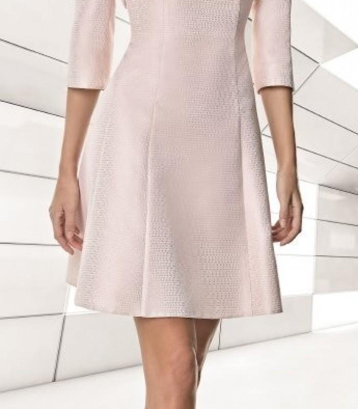Conjunto torera y vestido de escote profundo rosa palo