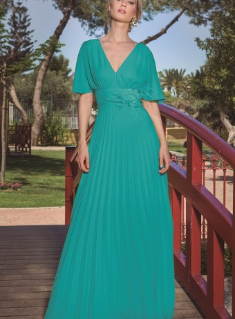 Long plank dress with V neckline