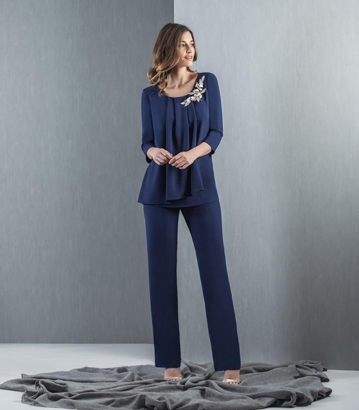 Conjunto blusa plisada con vuelo y pantalon liso
