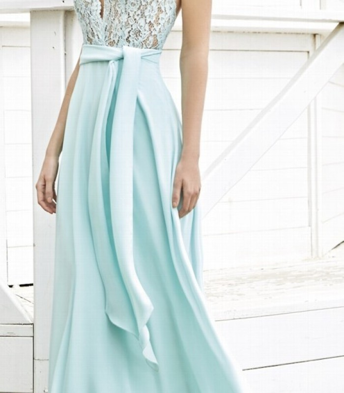 Long flight dress with lace and deep neckline