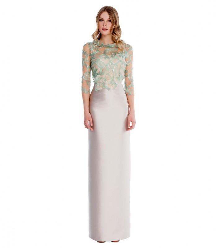 Vestido largo con bordado floral en el top