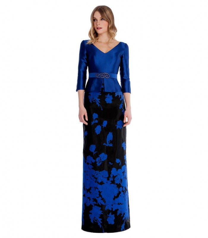 Long dress with V-neckline and printed skirt