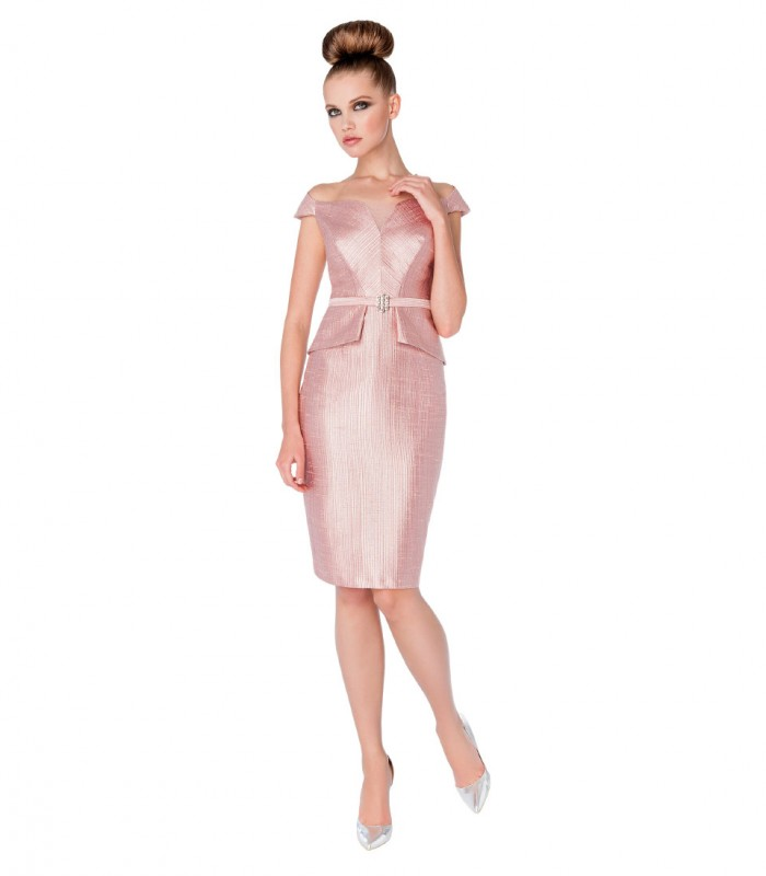 Midi dress with straight neckline with slit and straight cut
